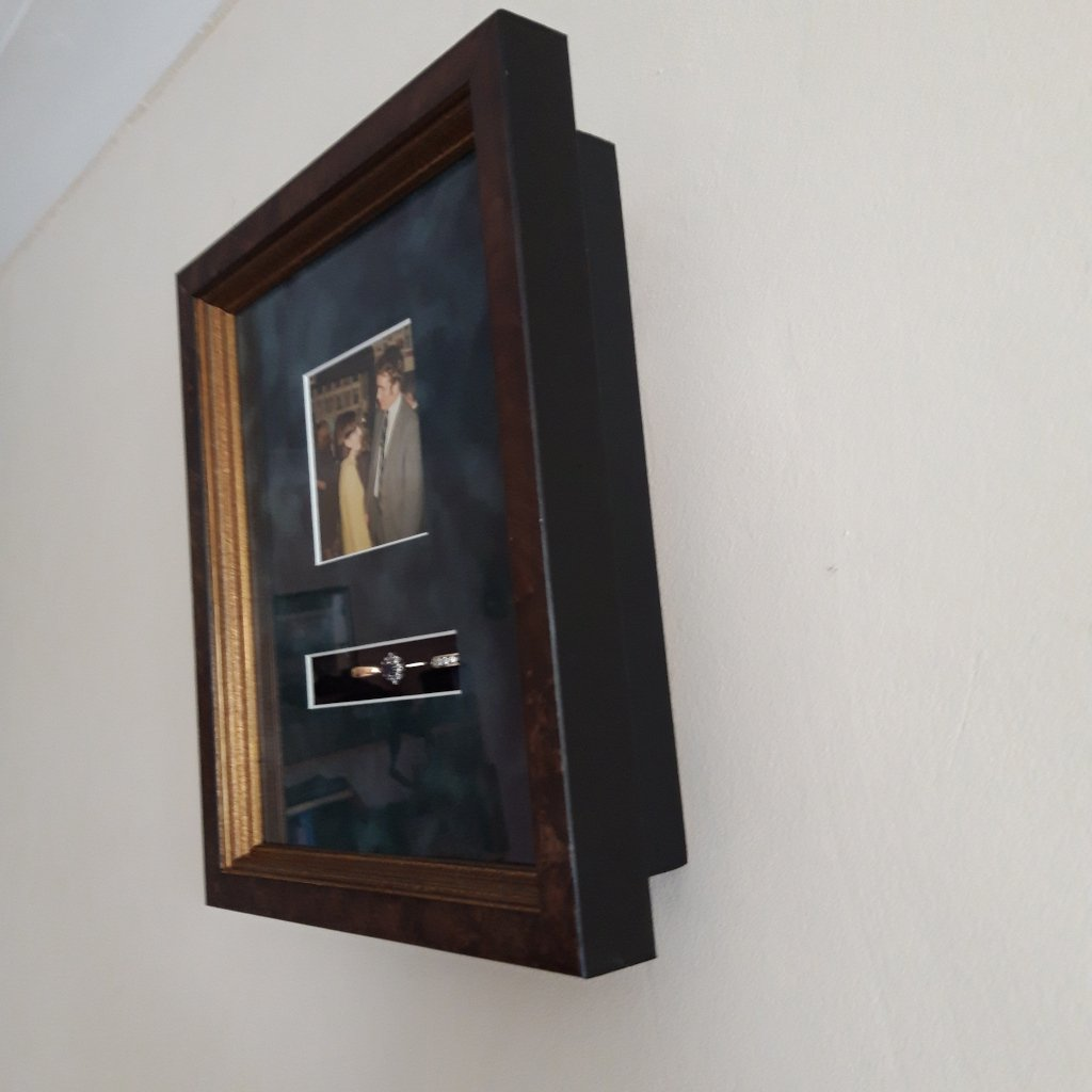 3D Framing to display rings and photograph as a keepsake