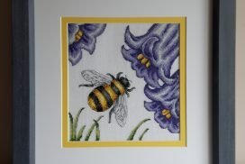 Cross Stitch Bee Design